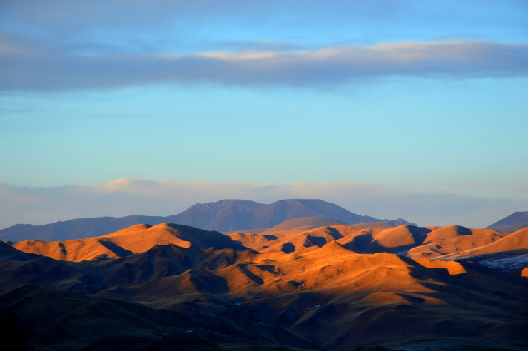 Tibet: Hills around Langmusi in the sunset.