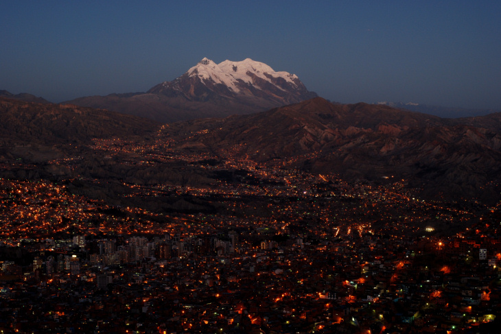 La Paz in the evening with the Illimani.
